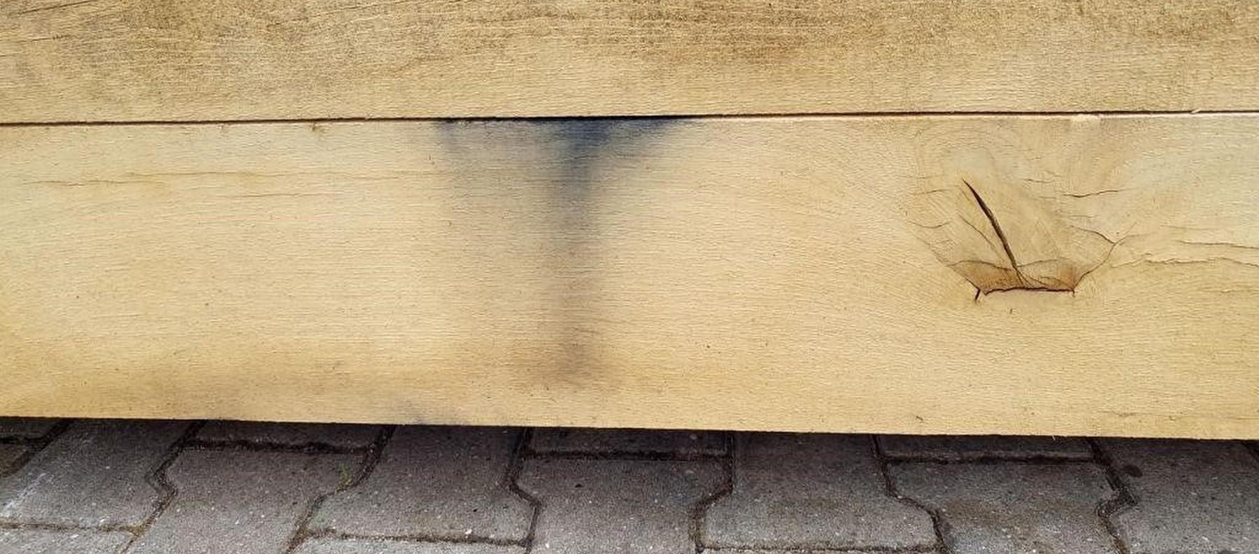 Oxidflecken im Holz