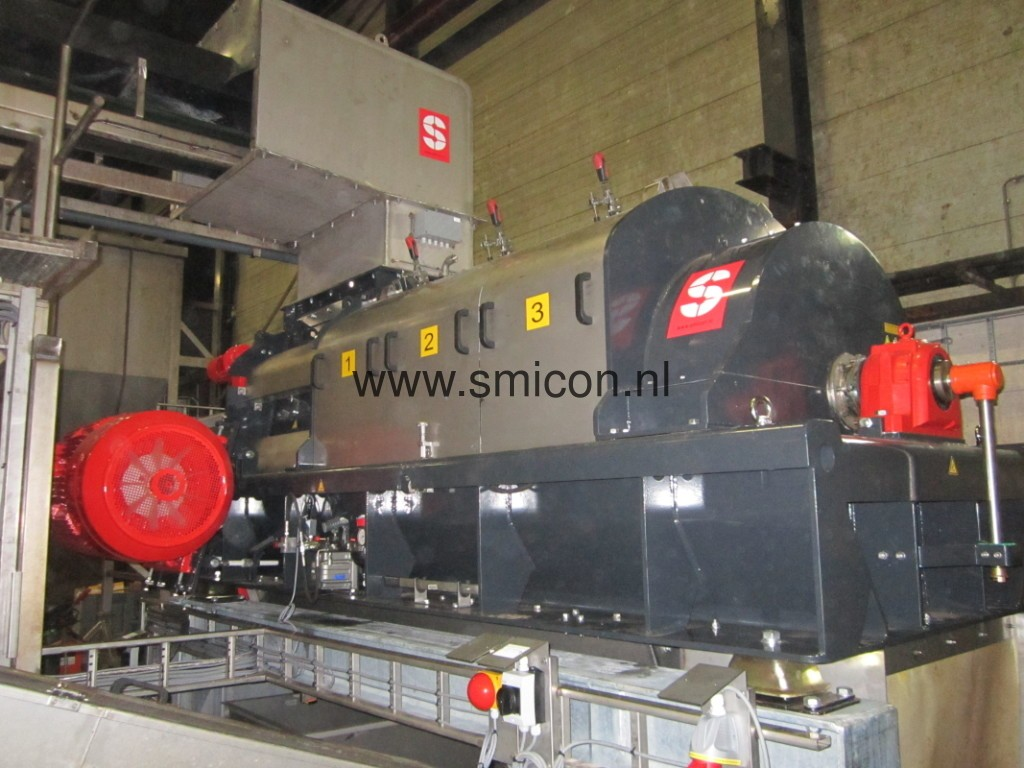 SMIMO120 installation for the purpose of processing foodstuffs