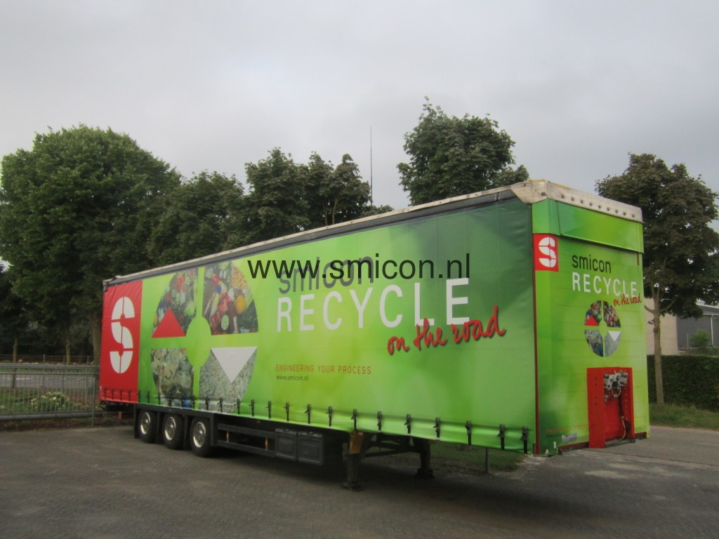 Mobile recycling installation